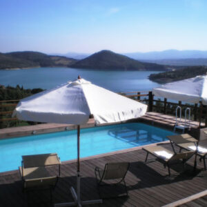agriturismo-in-toscana-con-piscina-117653_420x420_Le Ceregne